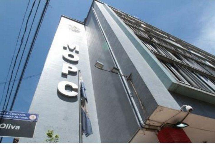 Fachada del edificio del Ministerio de Obras Públicas y Comunicaciones (MOPC). Foto: AgenciaIP.com