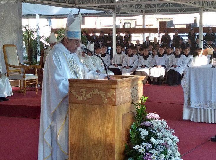 El obispo de Caacupé, Ricardo Valenzuela, criticó la corrupción durante su homilía.