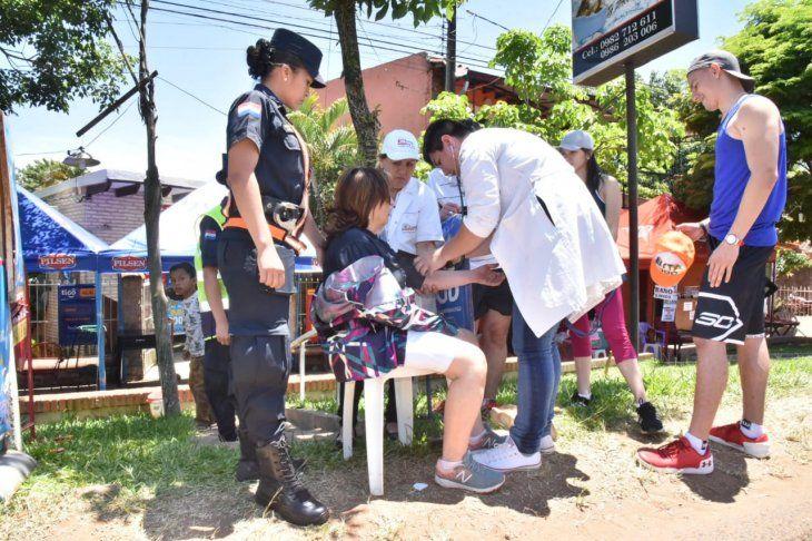 La Policía Nacional y el Ministerio de Salud brindaron atención a los feligreses.