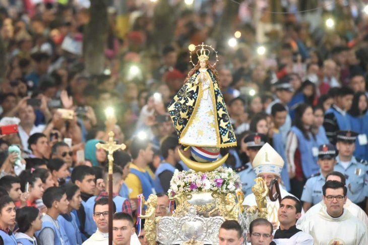 <p>Así lucía la imagen de la Virgen de Caacupé.</p>