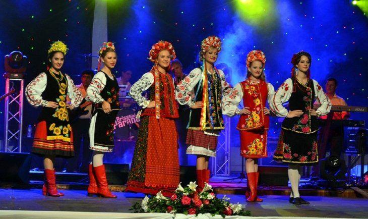 <p>La Fiesta de Kolomeika, de la comunicad ucraniana en Paraguay, es una de las principales festividades que se realiza cada año en la ciudad de Capitán Miranda.</p>