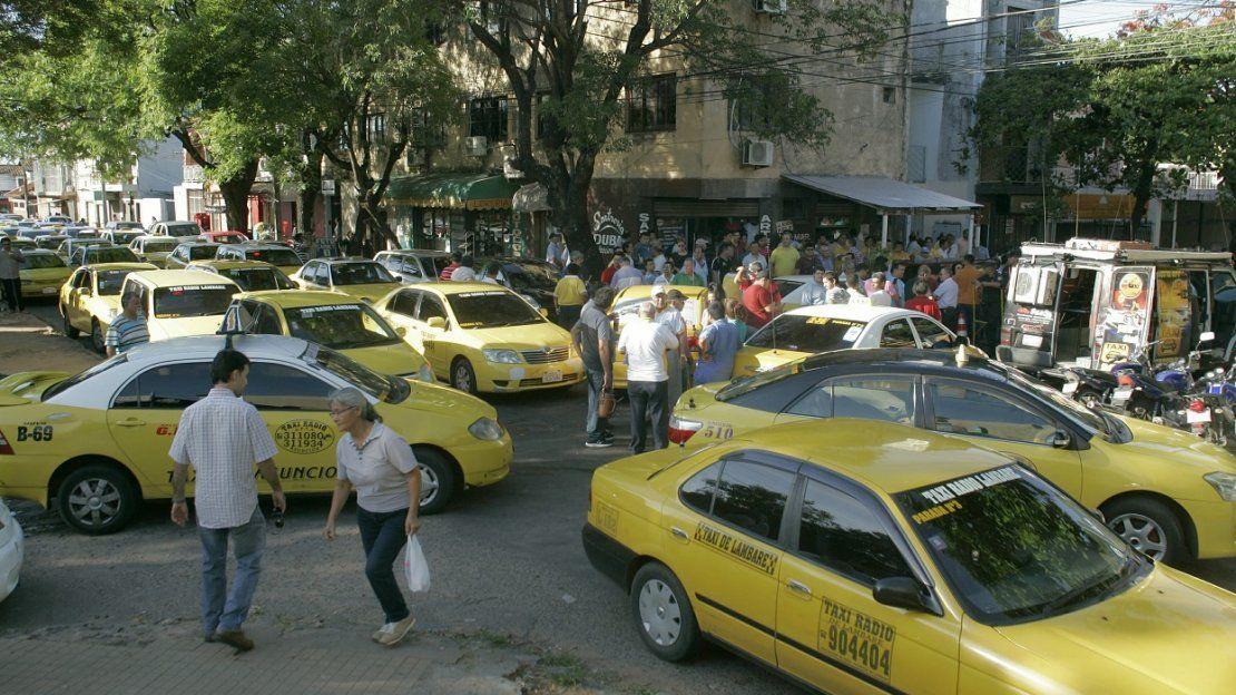 Enjambre amarillo copó las calles de Asunción