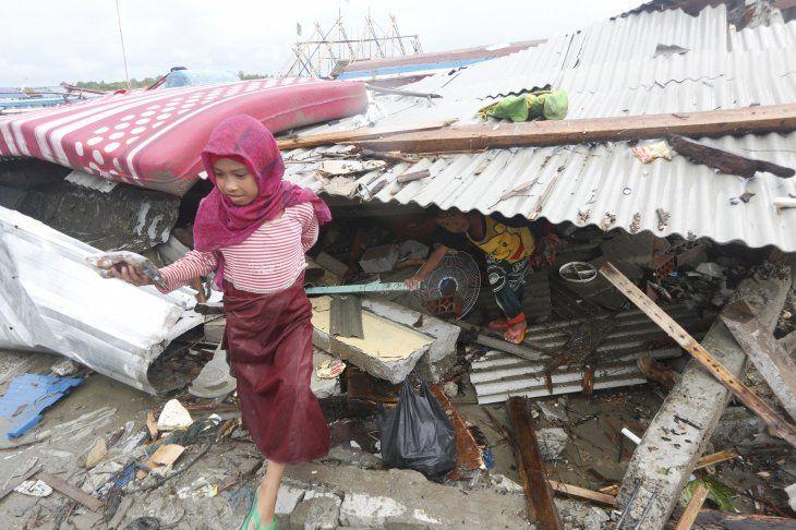 <p>Indonesia se asienta sobre el Anillo de Fuego del Pacífico, una zona de gran actividad sísmica y volcánica que es sacudida cada año por unos 7.000 temblores.</p>