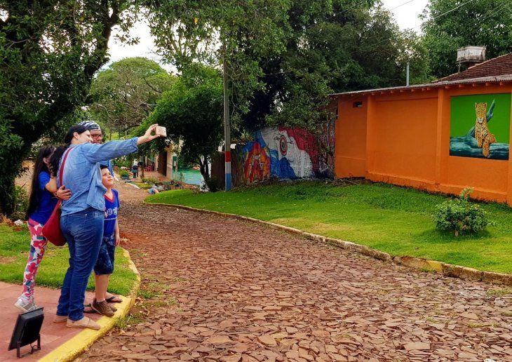 Interés. La concurrencia de visitantes es constante en la zona recuperada con el arte.