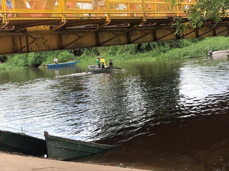 Una niña de 3 años cayó del puente de San Ignacio de Loyola a las aguas del río Pilcomayo.