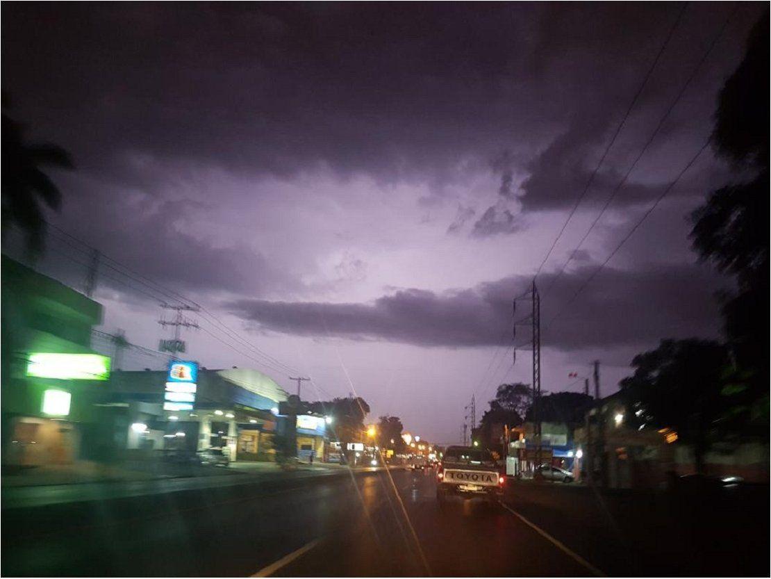 Emiten alerta por tormentas para cuatro departamentos