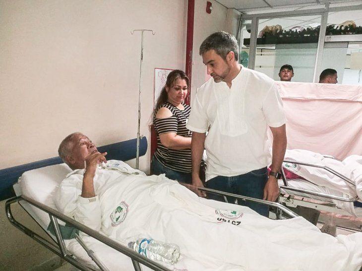 El presidente Mario Abdo Benítez realizó un recorrido por el Hospital Central del IPS