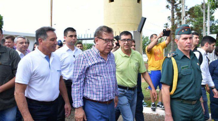 Acto oficial. Duarte Frutos  acompañó al presidente  en la entrega de aportes e inauguraciones  en Coronel Bogado.