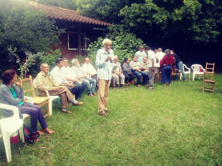 Los ex integrantes de las Ligas Agrarias Cristianas participaron del Velorio Colectivo de Futuros Difuntos.