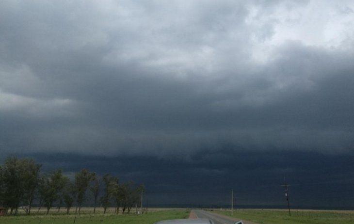 Meteorología anuncia intensas lluvias para este martes.