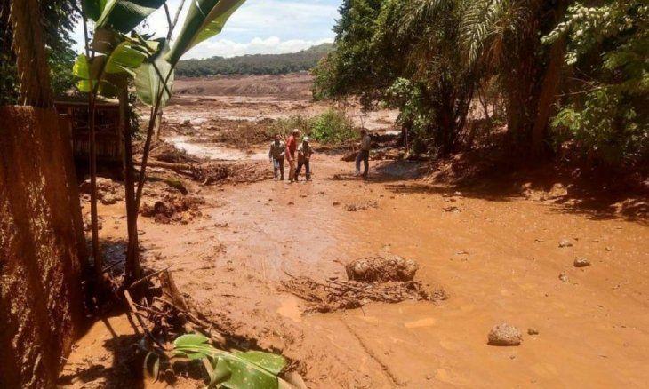 Unas 200 personas pueden estar desaparecidas Brasil tras registrarse la rotura de una represa.