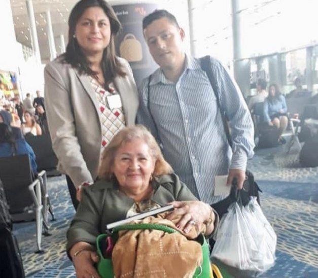 Dos ciudadanos paraguayos regresan desde Venezuela ante la crisis.