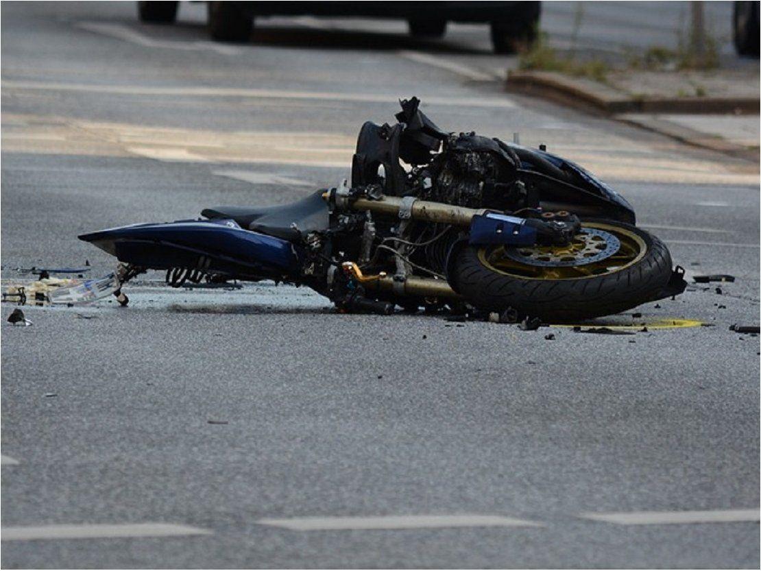 Joven fallece tras perder el control de su motocicleta en Itauguá