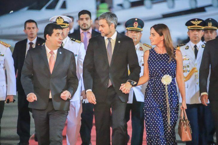 Llegada del presidente Mario Abdo y la delegación paraguaya en el espigón presidencial.