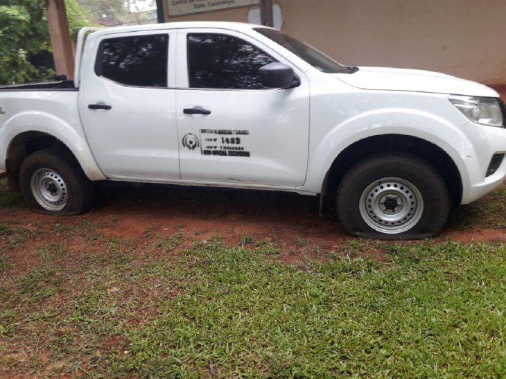 Guillermo Cabrera, responsable del CDA, denunció que los ex funcionarios pincharon las cubiertas del vehículo de la institución.