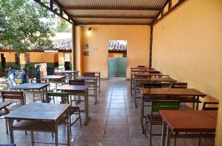 Precariedad. En este escenario  darán clases desde mañana los alumnos de la escuela Sargento Silva de San Lorenzo.