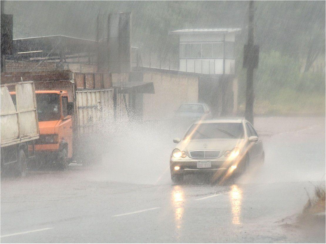 Viernes con lluvias y tormentas eléctricas, anuncia Meteorología