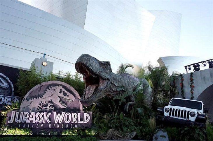 Universal Studios Estrenara Una Atraccion Sobre Jurassic World Universal Pictures Universal studios inauguró una nueva atracción, jurassic world, en los ángeles, en ee.uu. universal studios estrenara una