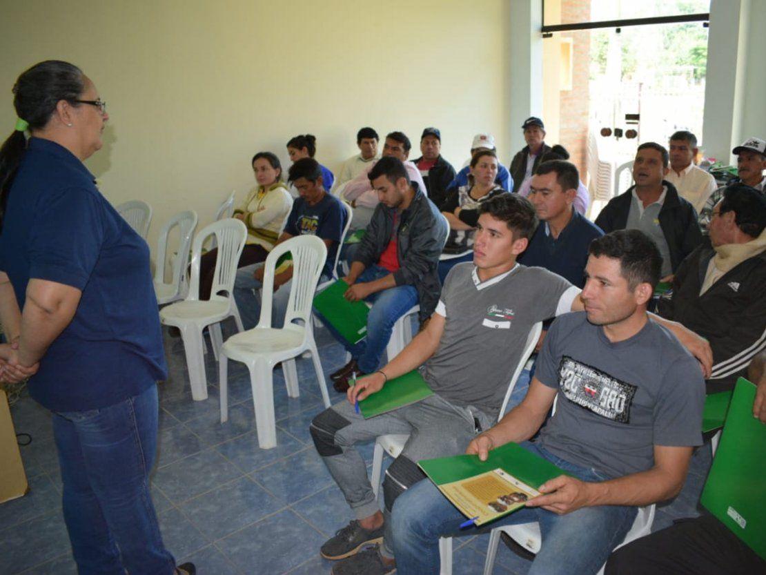 Capacitan a productores de árboles en Ñumi