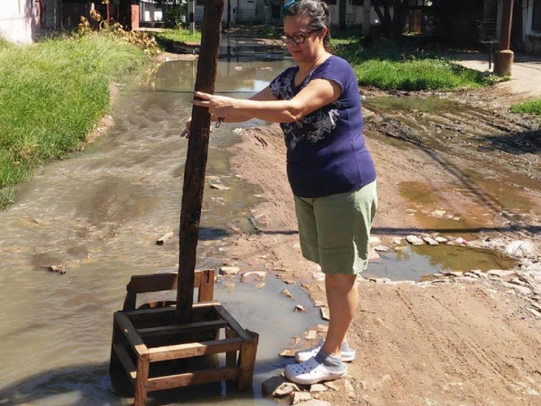 Barrio asunceno sumido en aguas cloacales