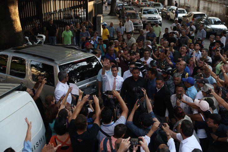 Nicolás Maduro destituye ministro por crisis eléctrica