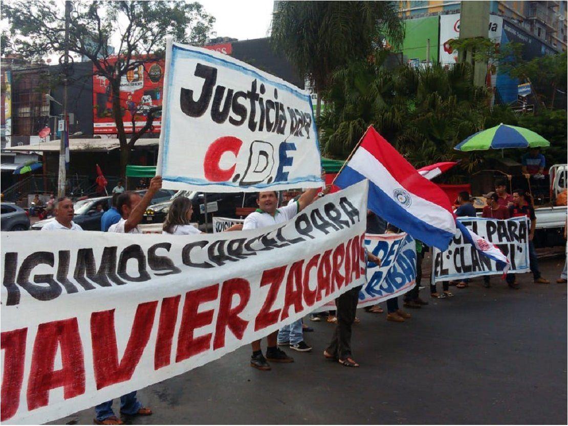 CDE: En nueva movilización piden prisión para Zacarías Irún y McLeod