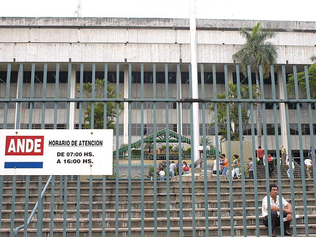 Defensoría seguirá canalizando reclamos de sobrefacturación de la ANDE