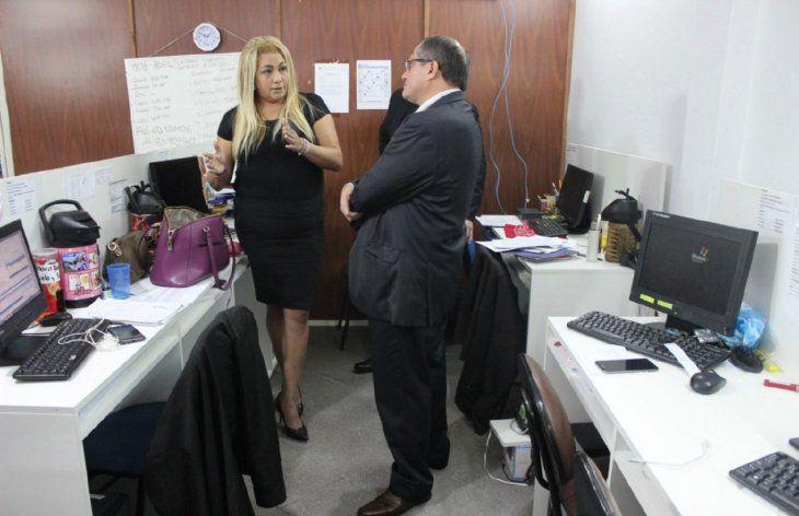 Denunciada. Carmen Sofía Ramírez Lugo junto al fiscal interviniente René Fernández.
