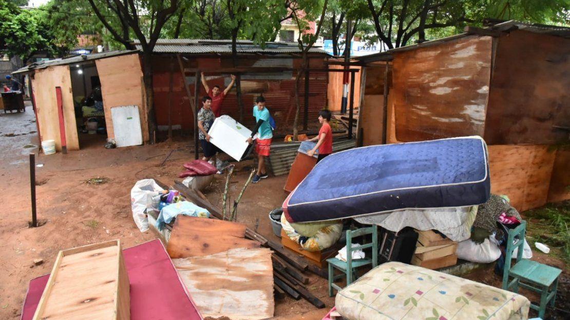 1.125 familias albergadas en predio militar por inundación