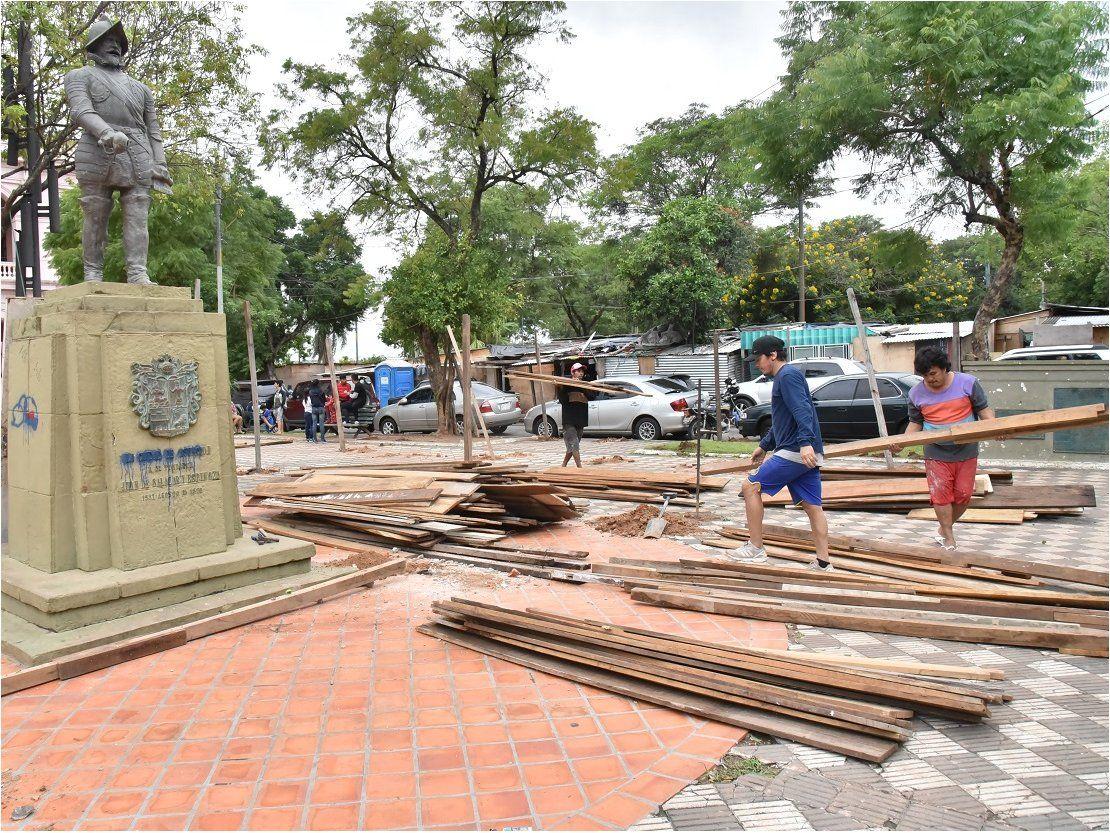 Comuna de Asunción asegura que no autorizó ocupación en plazas céntricas