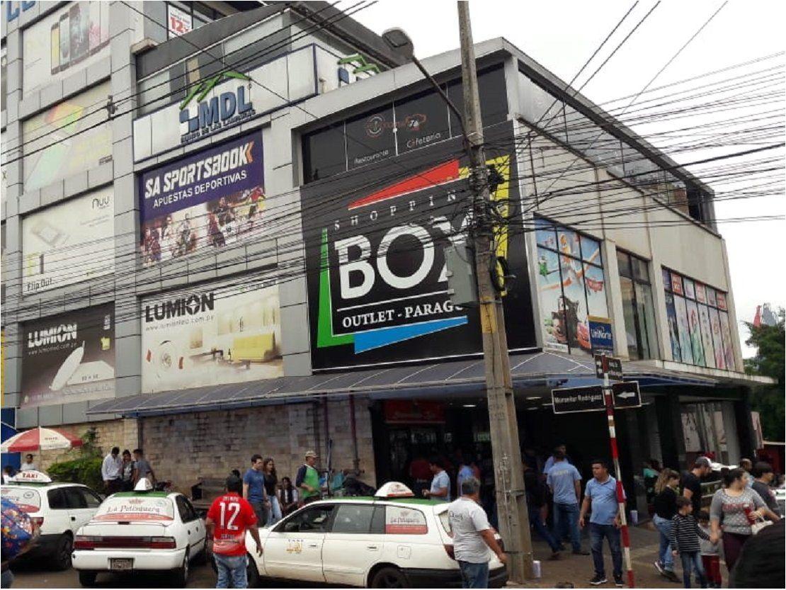 Con orden judicial, reabre shopping clausurado por Municipalidad de CDE