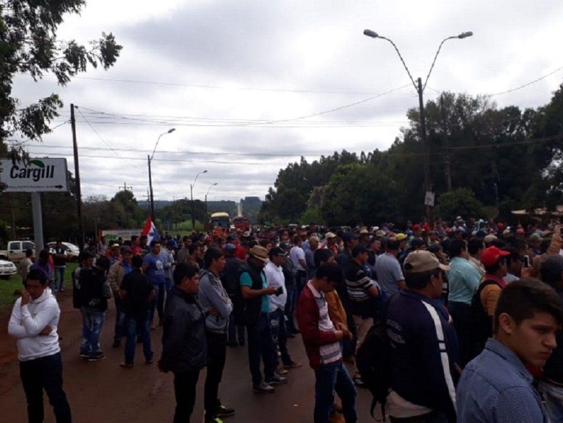 Productores de yerba mate cierran ruta en Pirapó
