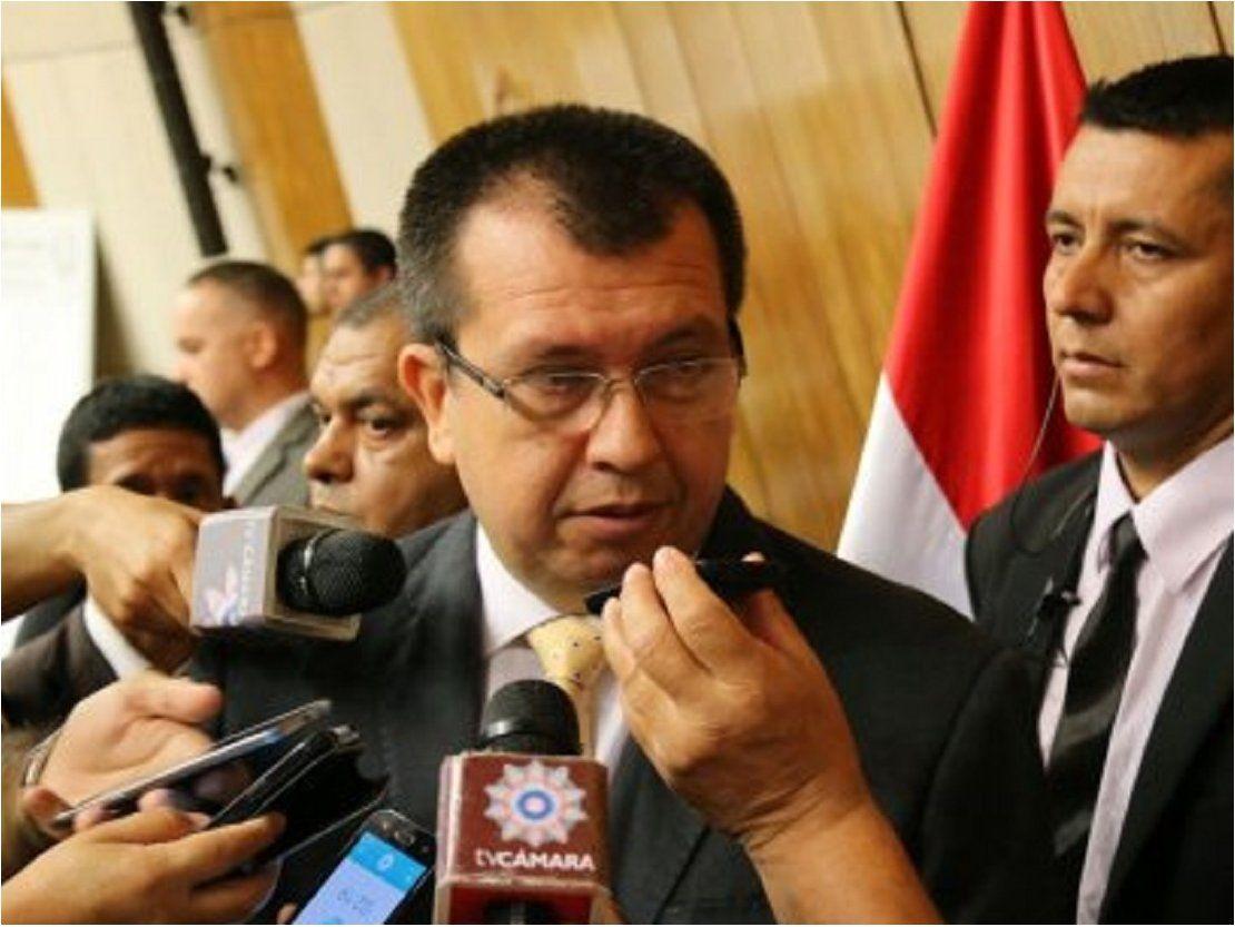 Senadora Bajac podría perder investidura, dice legislador Derlis Osorio