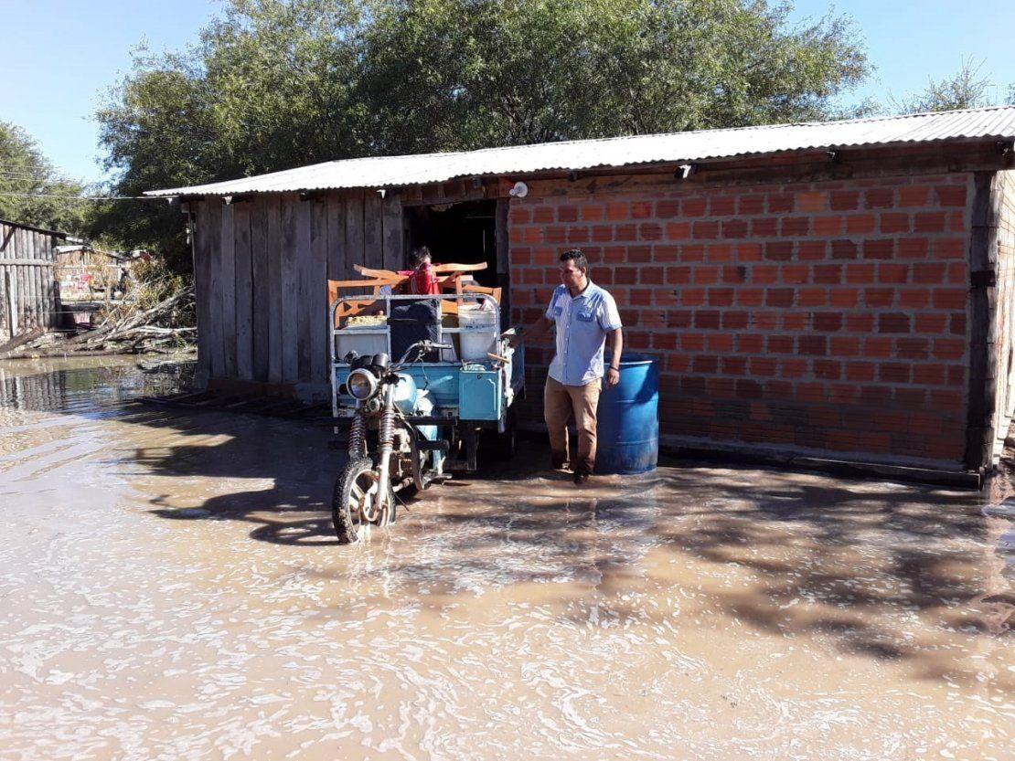 Aumenta a 40 las familias afectadas por inundaciones en Toro Pampa