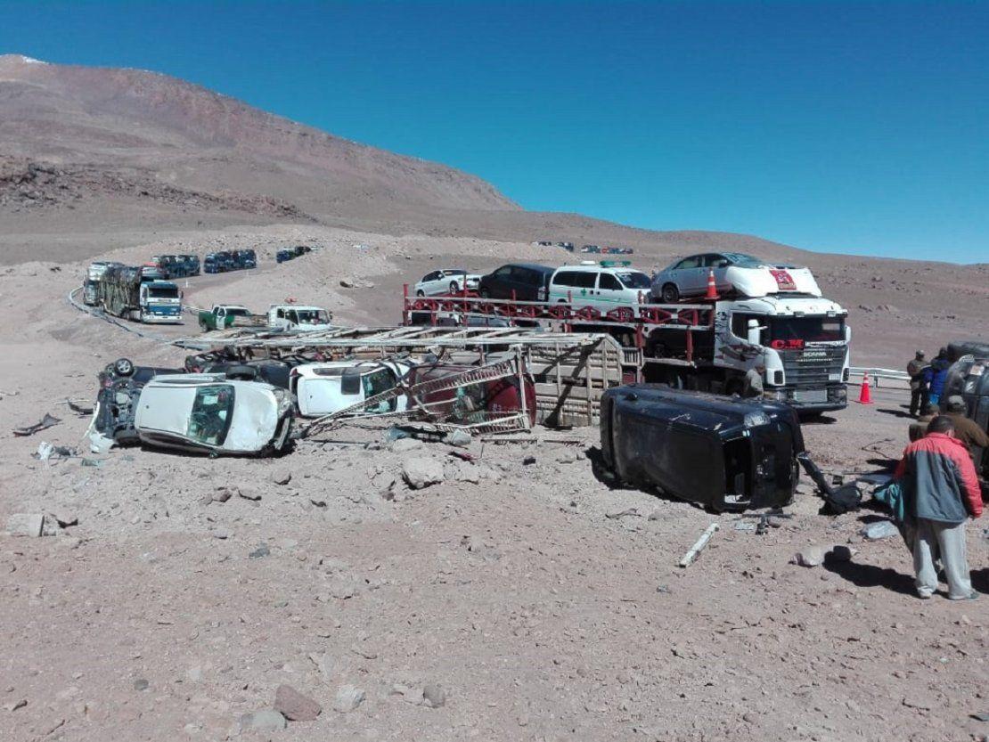 Dos paraguayos resultan heridos en accidente de tránsito en Chile