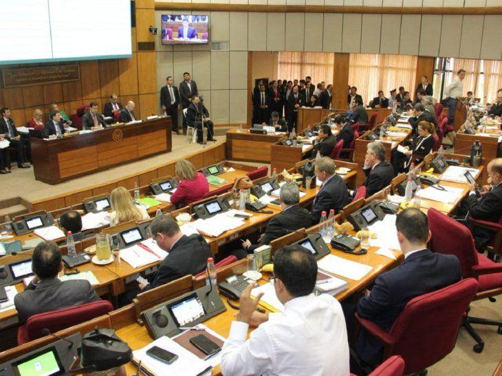 La Cámara de Senadores trata este jueves dos propuestas para el desbloqueo de listas sábana.