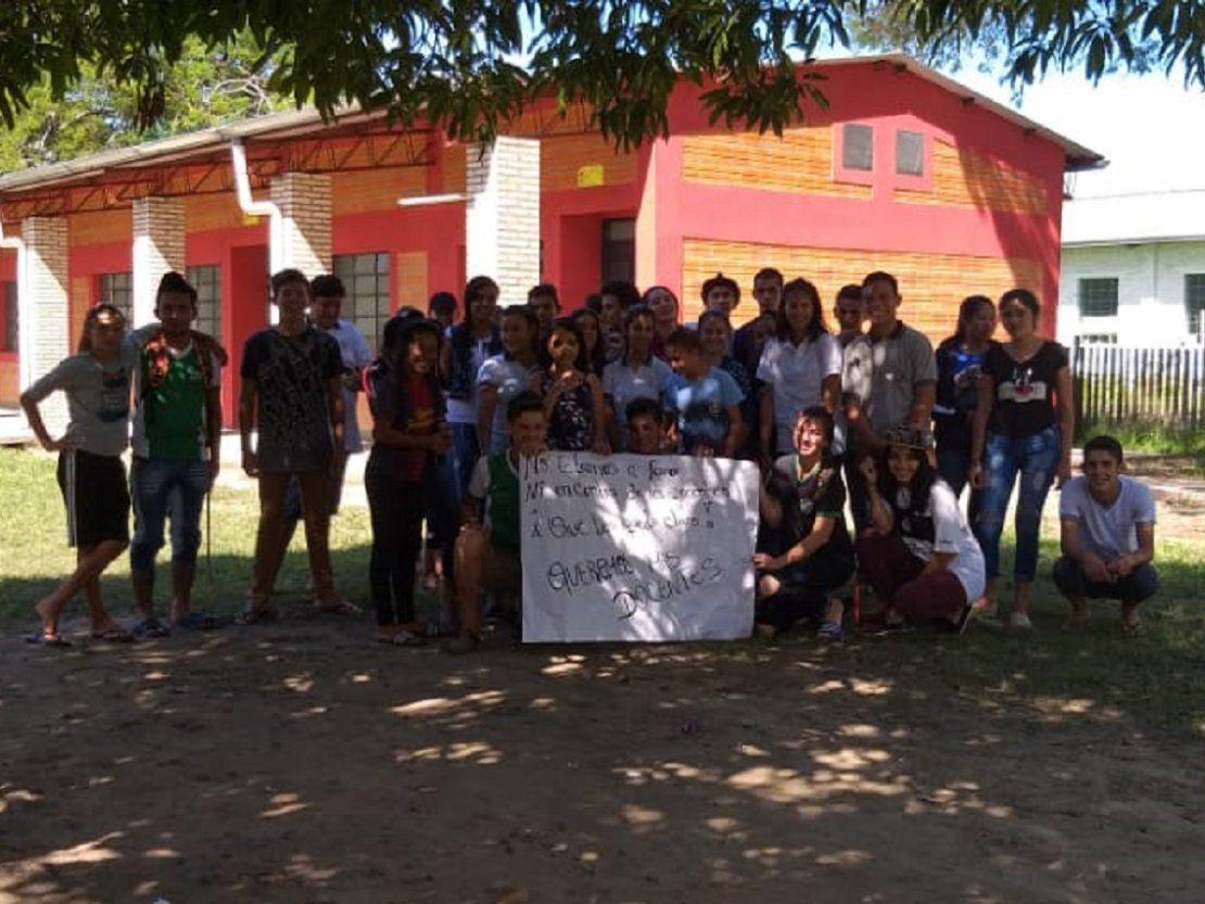 Toma de colegio en Puerto Pinasco: alumnos llevan 5 días de protesta