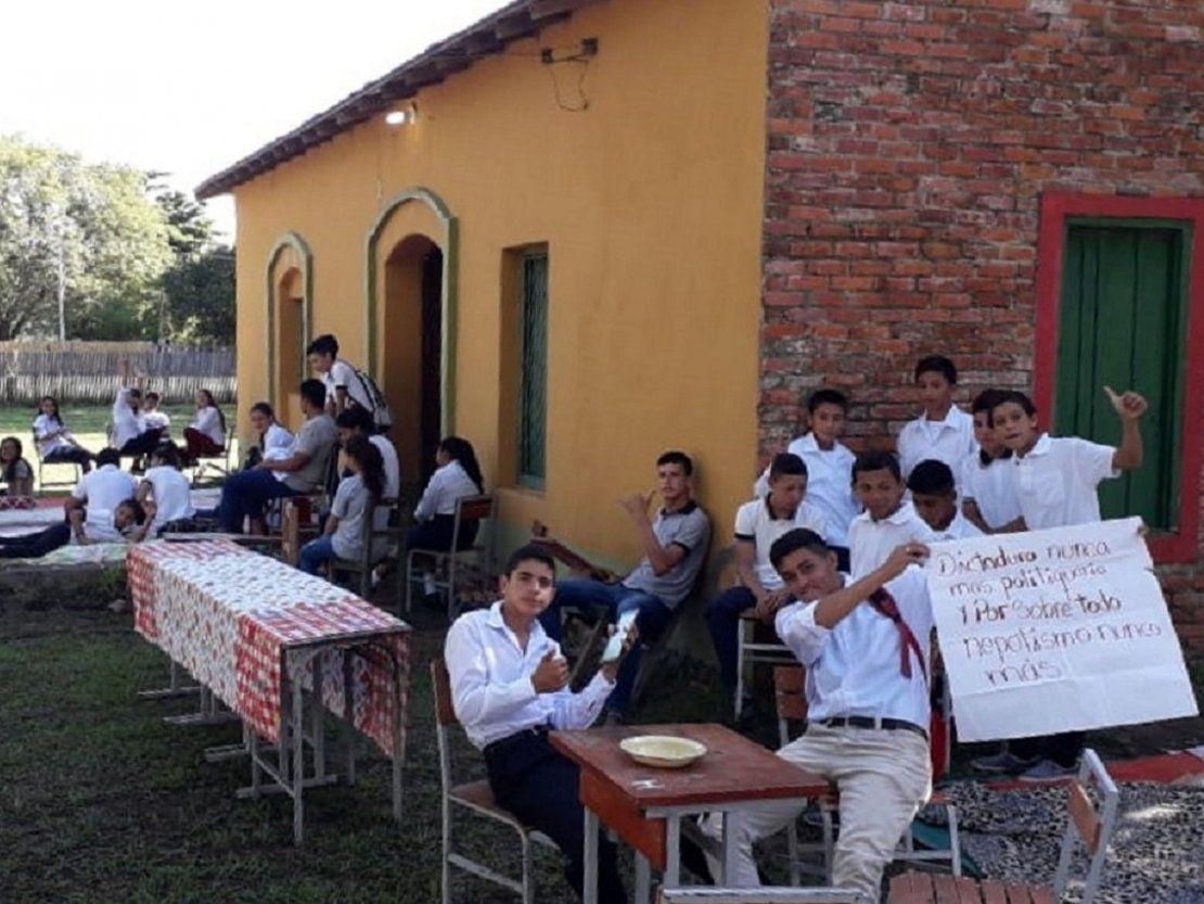 MEC no da respuesta a estudiantes de Pinasco, quienes cumplen 8 días de protesta