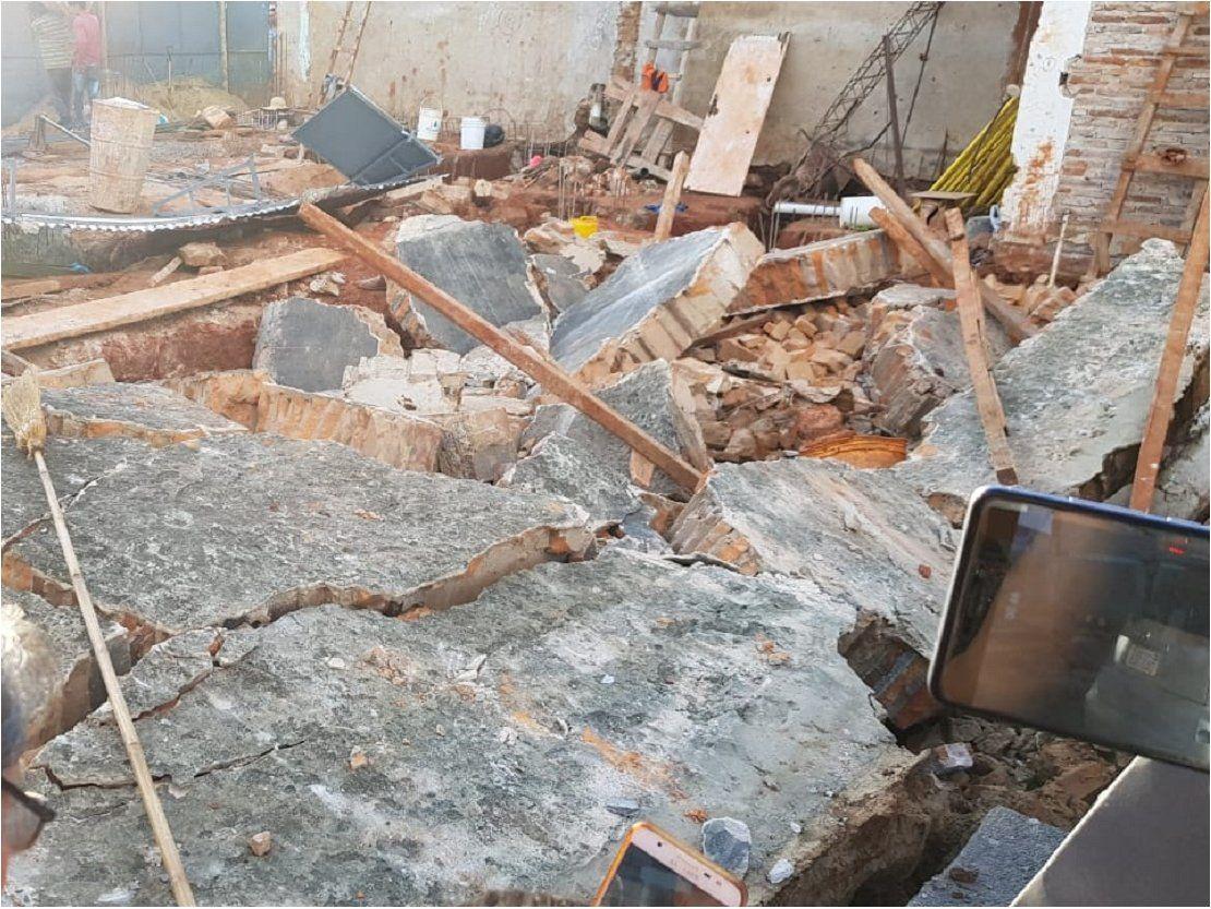 Antigua pared se derrumbó sobre cuatro obreros en Villarrica