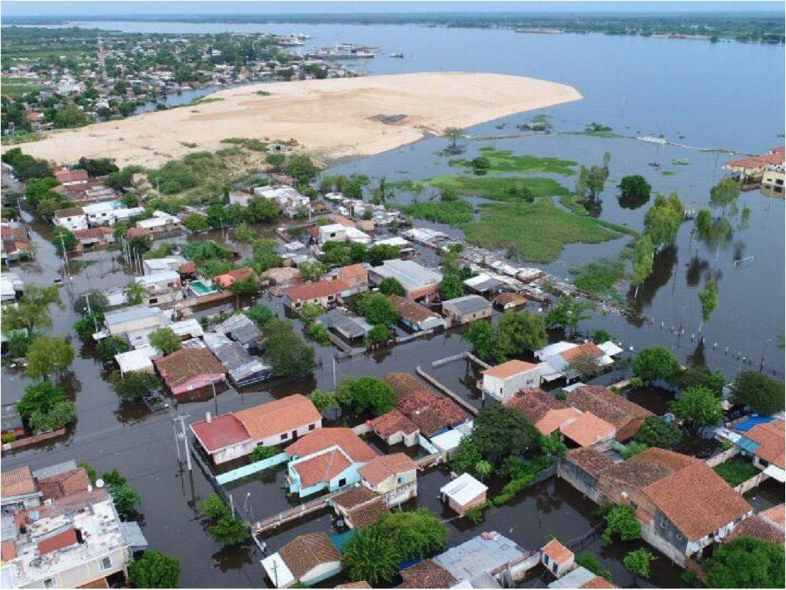 Río Paraguay descenderá en Asunción, pero viviendas continuarán inundadas