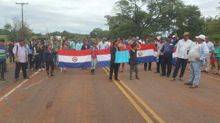 Los manifestantes anunciaron que levantan temporalmente la medida de fuerza que encararon por tres días en la ruta Concepción-Vallemí.