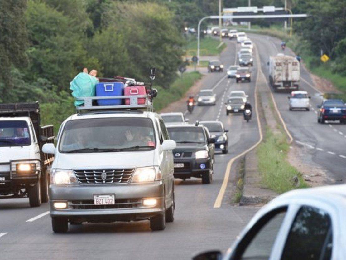 Viajar en rutas con las luces apagadas, la falta más común de los conductores