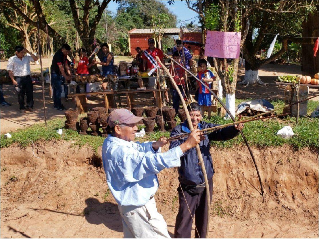 Celebran Día del Indio Americano con feria de productos agrícolas y artesanales