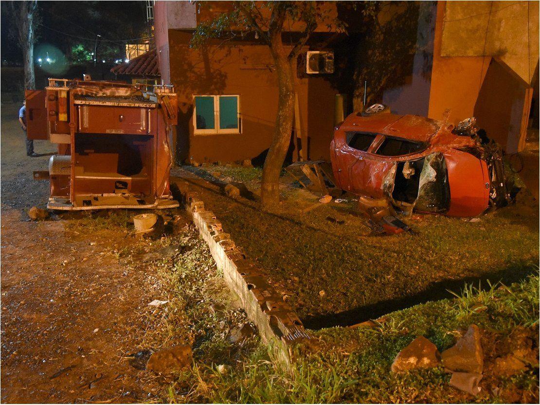 Accidentes en San Lorenzo: Un vehículo dio 8 vueltas y otro casi choca contra la Catedral