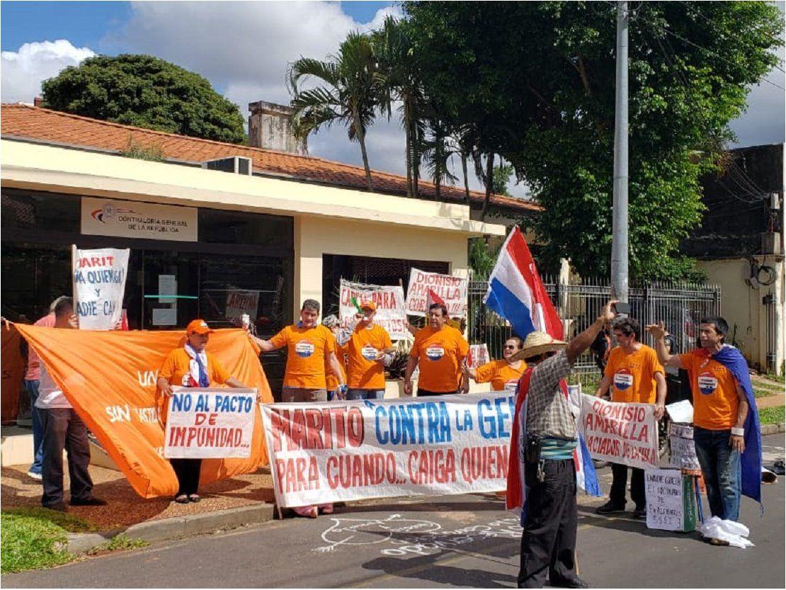 Escraches frente a la Contraloría en repudio al pacto de impunidad