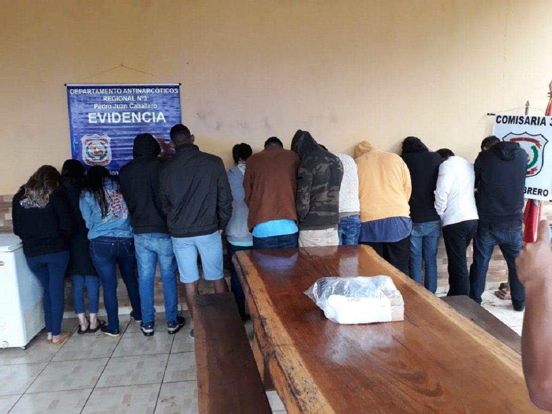 Resuelven expulsar del país a estudiantes brasileños detenidos con marihuana