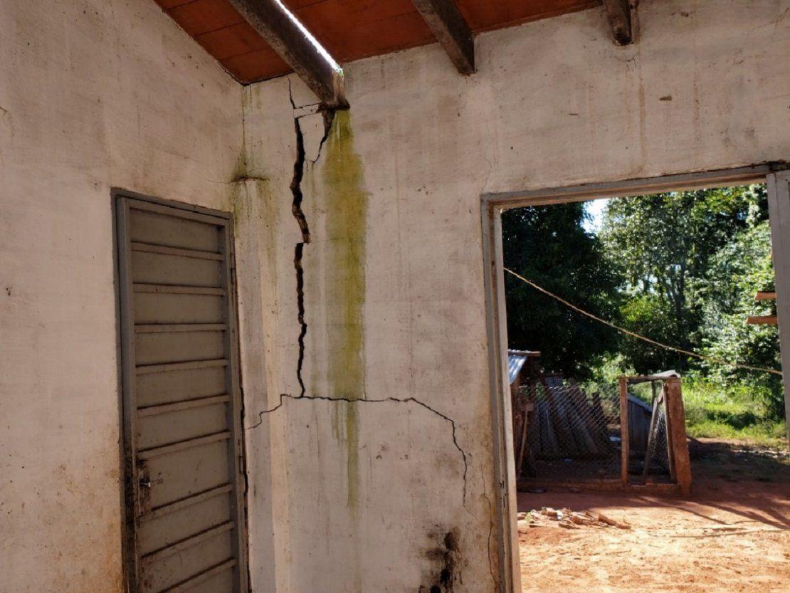 Familias preocupadas por fisuras en viviendas...