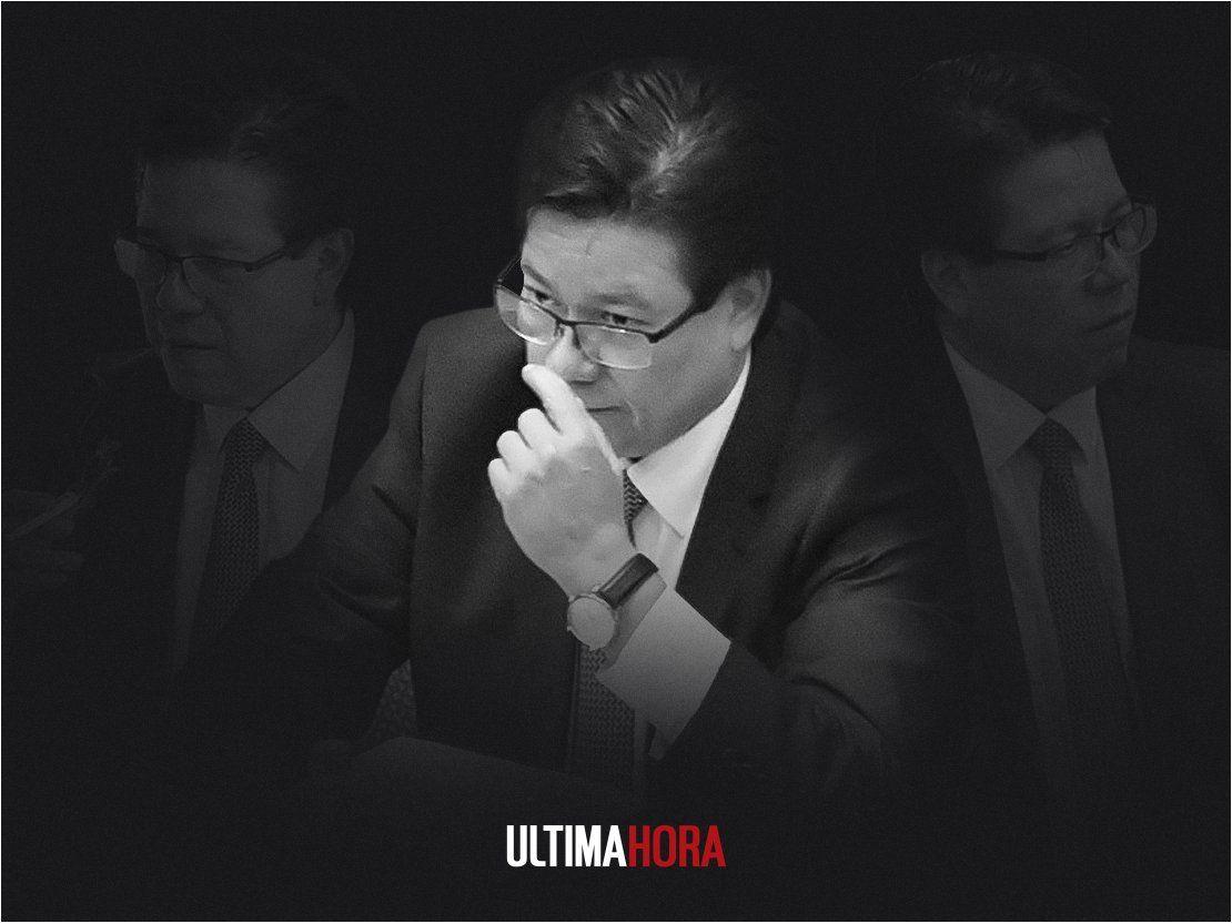 Enrique García presentó su renuncia como contralor