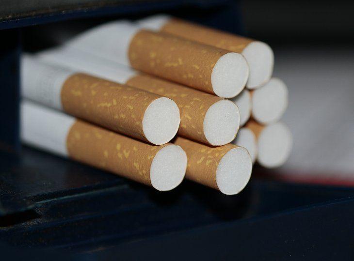 Tomar refresco y fumar puede causar hígado graso