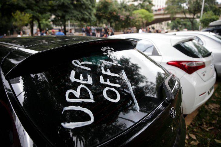 Uber: Acciones caen en su debut comercial por debajo del precio inicial